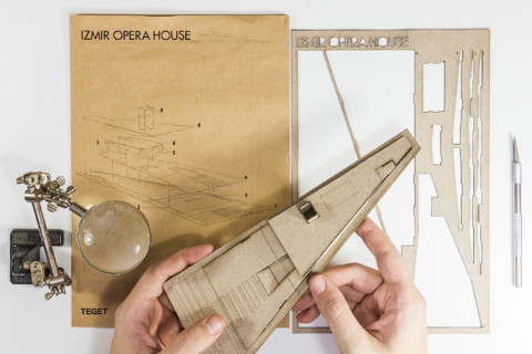 1/2000 Scale Izmir Opera House Pop-Out Model